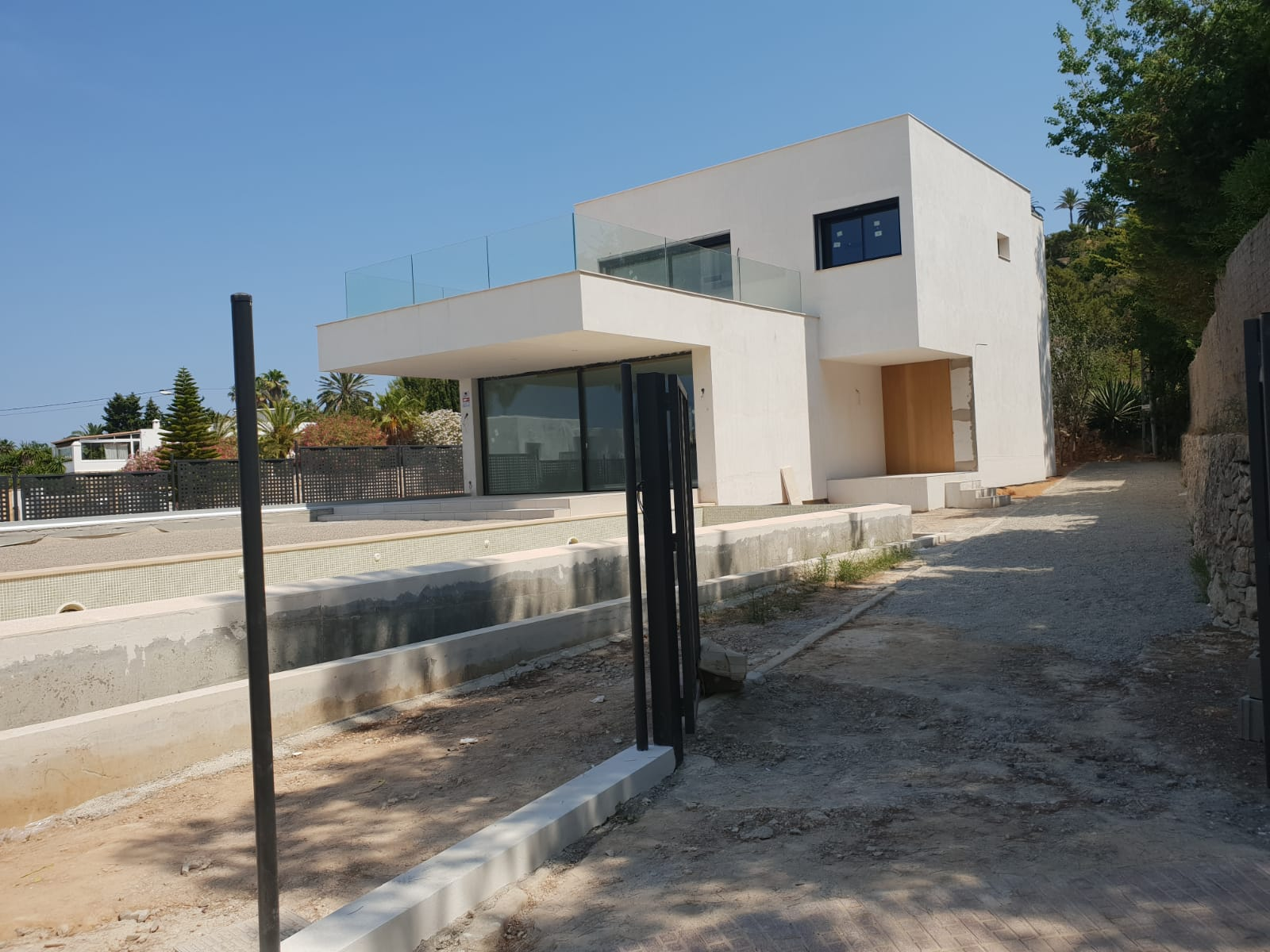Beautiful property of 420 m2 located in Talamanca for sale