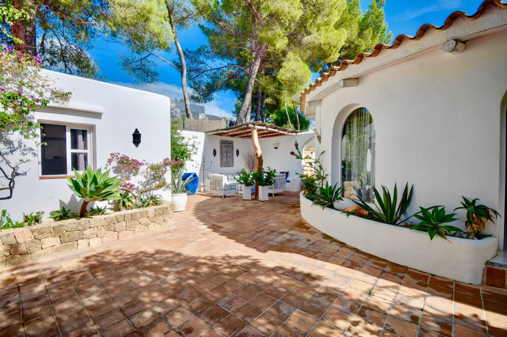 Romantic house is in a very quiet location near to Ibiza