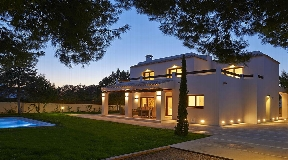 New and modern villa located in a very quiet area