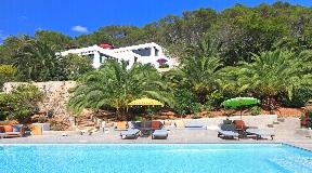 Luxury blakstad style finca located between Ibiza and Sta. Eulalia