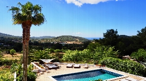 Beautiful finca completely renovated in San Jose for sale