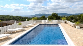 Fantastic real estate in Ibiza - Can Furnet with nice views to the sea and Salinas
