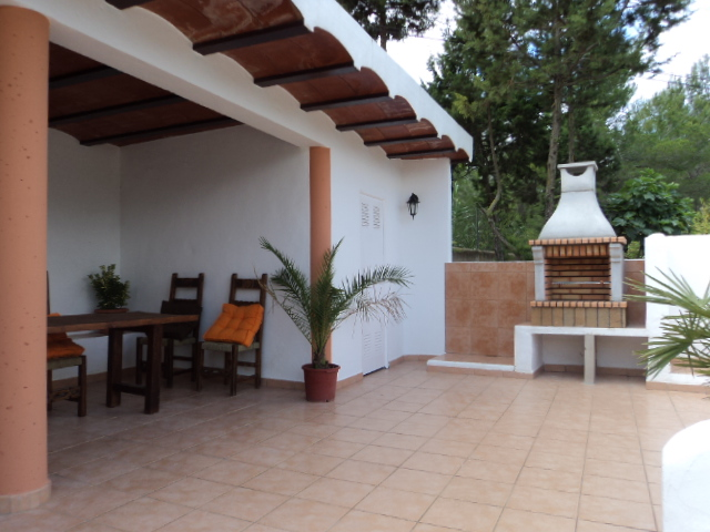 Nice chalet located in San Agustín with fruit orchard
