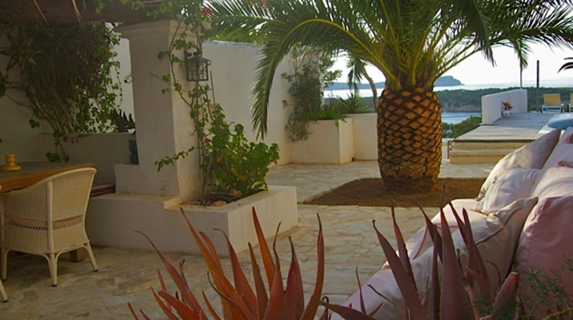 Lovely home in the highly demanded area of Cala Bassa with stunning sea views