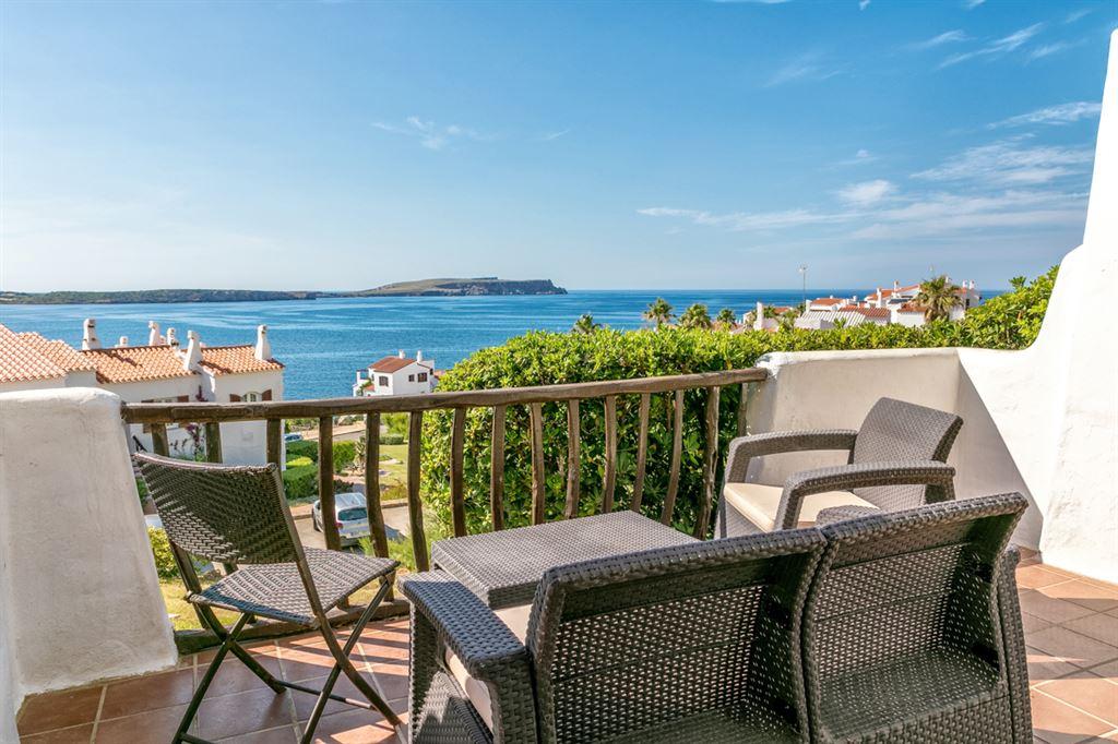 Villa in Menorca in front of Playa de Fornella