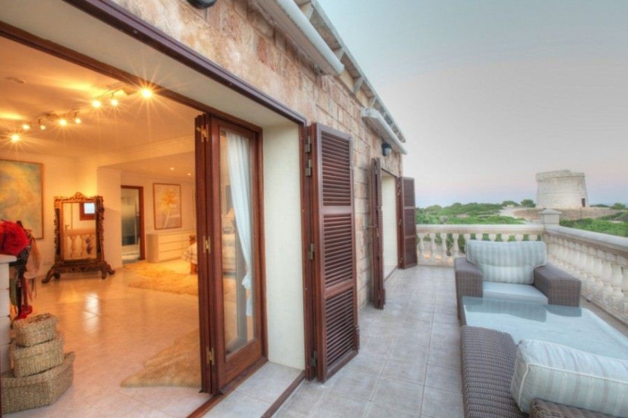 Imposing luxury property for sale in Minorca in Punta Prima
