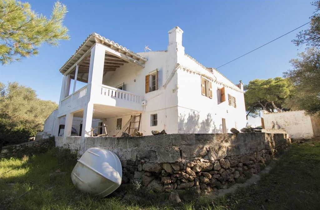 Country house with access to the beach for sale in Menorca