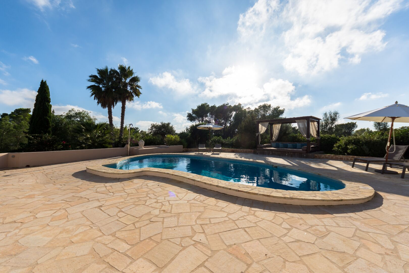 Luxury and spacious villa in Jesus for sale