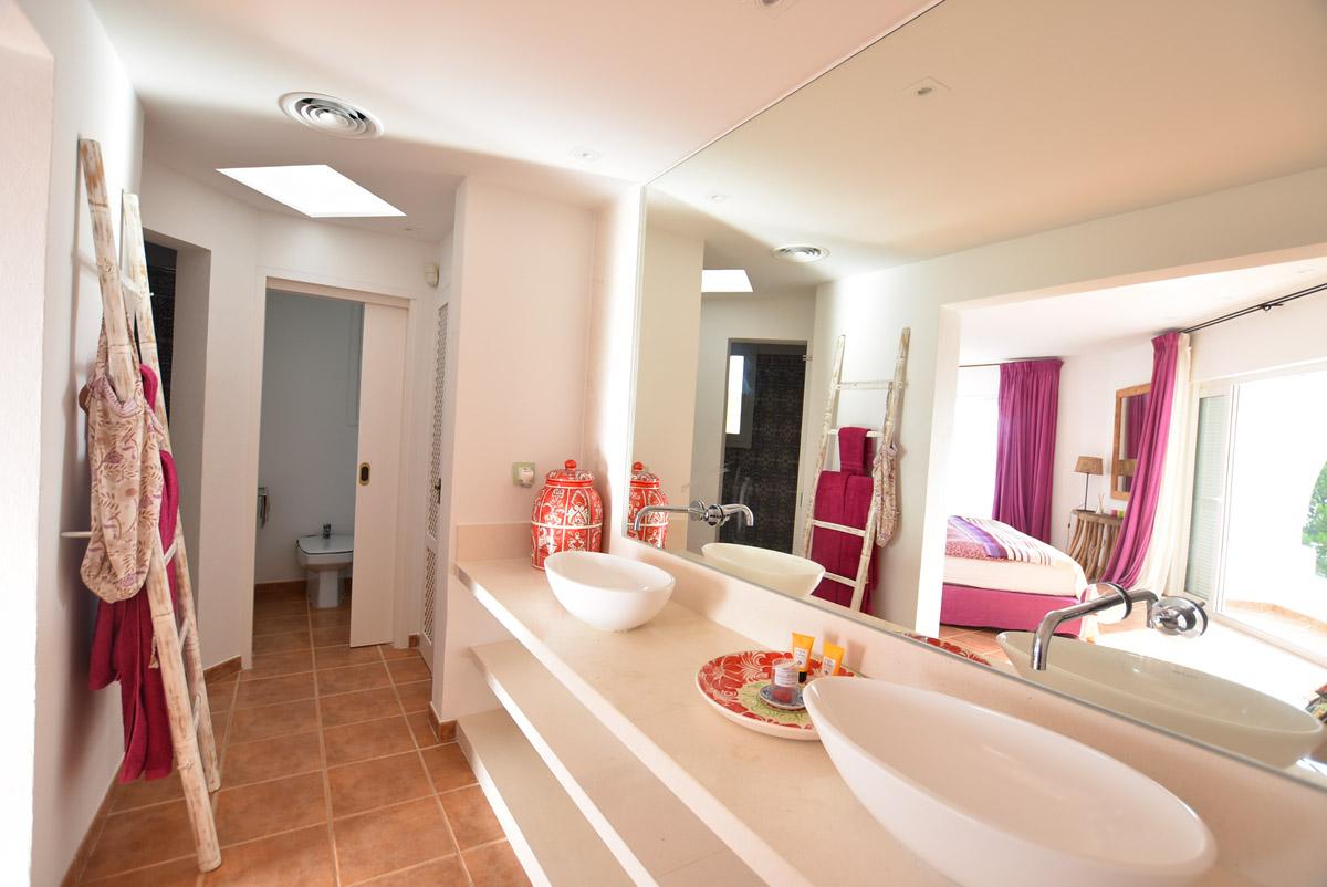 Luxurious villa with sea views in Ibiza for sale - Calo d´en Real