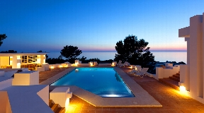 Luxurious villa with sea views in Ibiza for sale - Calo d´en Real