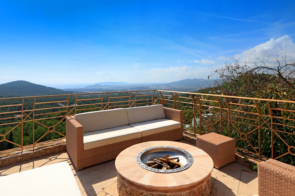 Luxurious villa is located on one of the highest points in Can Furnet