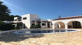 House near Cala Nova near San Carlos for sale