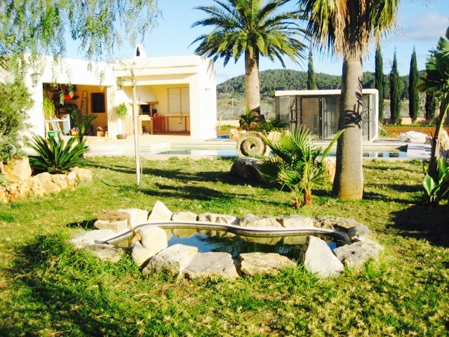 Lovely house in San Miguel with 300m2 living area for sale
