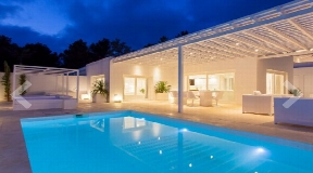Luxury villa for sale in Santa Eulalia del Río in Ibiza