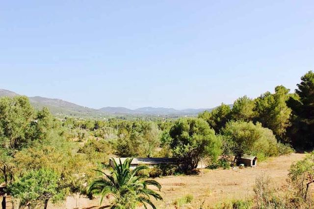 Fantastic finca with potential to sale in Benirras