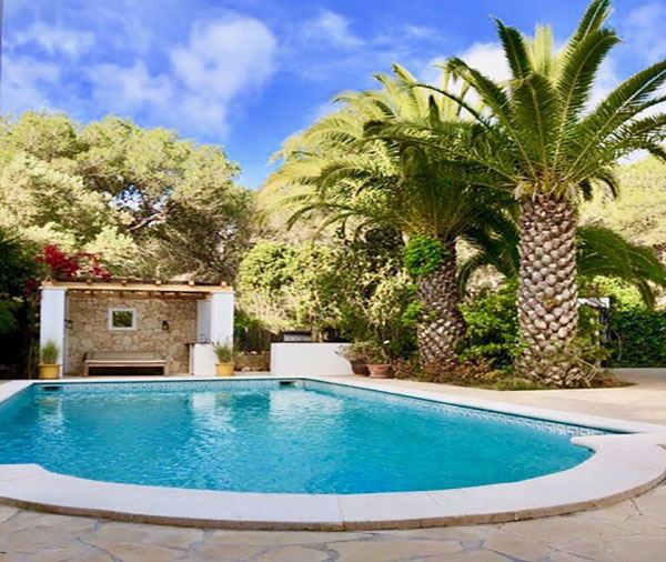 Newly renovated villa in campo with walking distance to Cala Nova beach