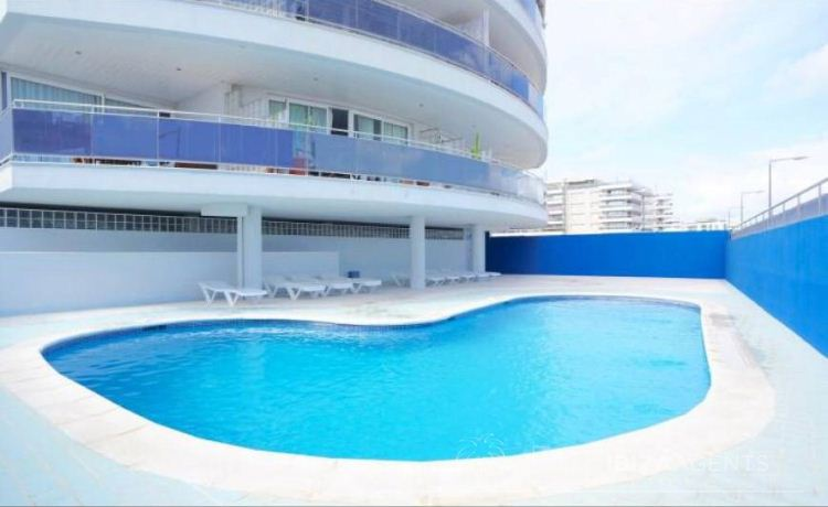 Two bedrooms apartment in Marina Botafoch with nice location