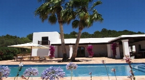 Charming finca in San Carlos on Ibiza for sale