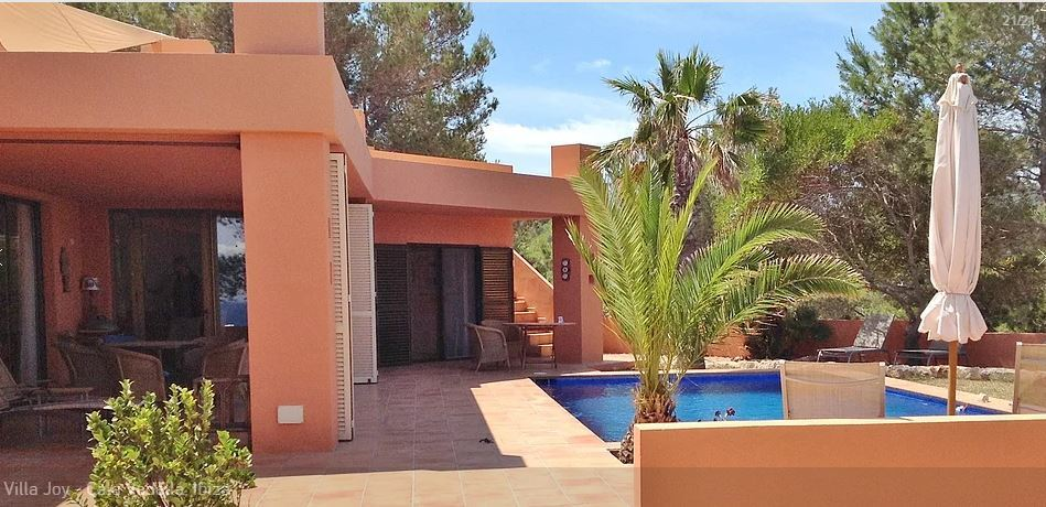 Modern Villa for sale in  Caló den real with amazing views
