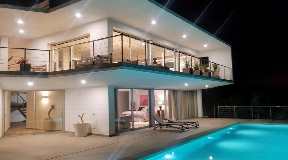 Modern newly built villa in Ibiza with panoramic sea views in Es Cubells