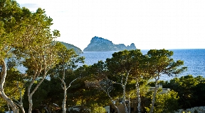 Brand-new built villa with views to Es Vedra