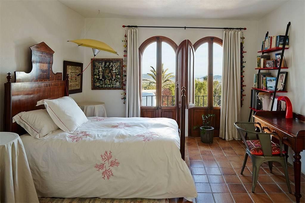 Original Finca del siglo XVII with nice views to Salinas and sea