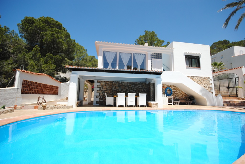Lovely private villa is located near to Cala Gracio beach