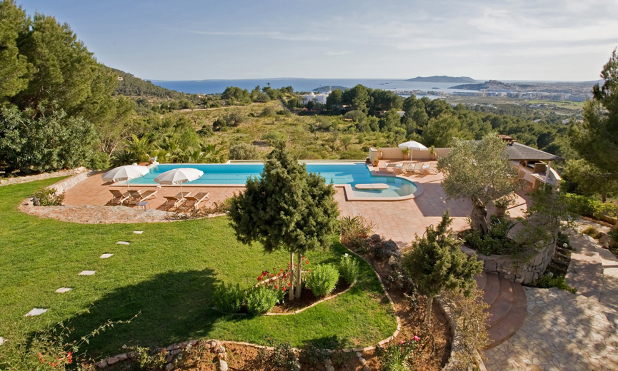 Fantastic located Villa on the top of the city of Ibiza