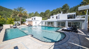 Great real estate only 6 km from Ibiza town with incredible views for sale