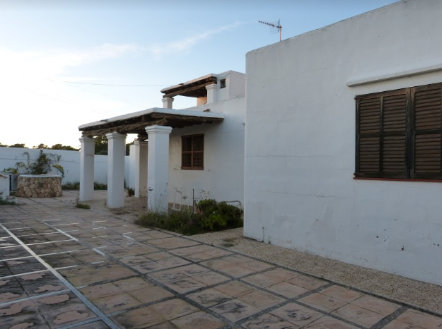 House for sale near to the beach in Cala de Bou