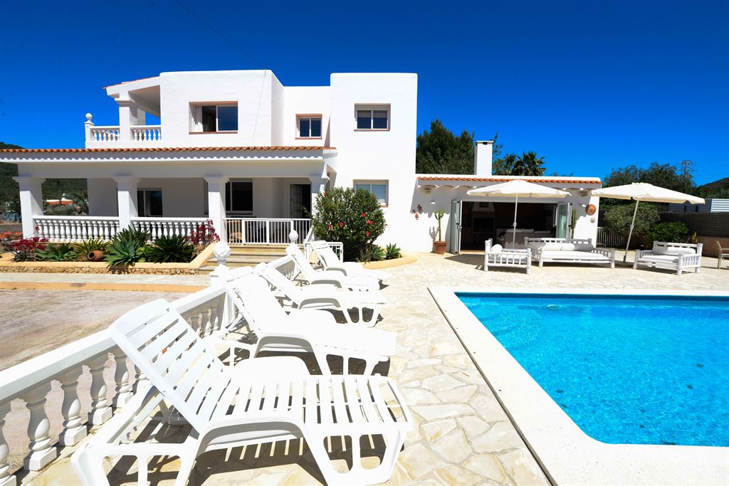 House with touristic licence near to Ibiza for sale