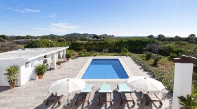 Very noble villa in the very desired area of Sa Caleta walking distance to the beach with a lot of charm