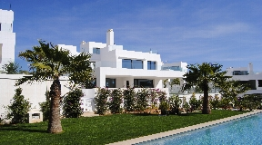 New villa near the sea Cala Llena