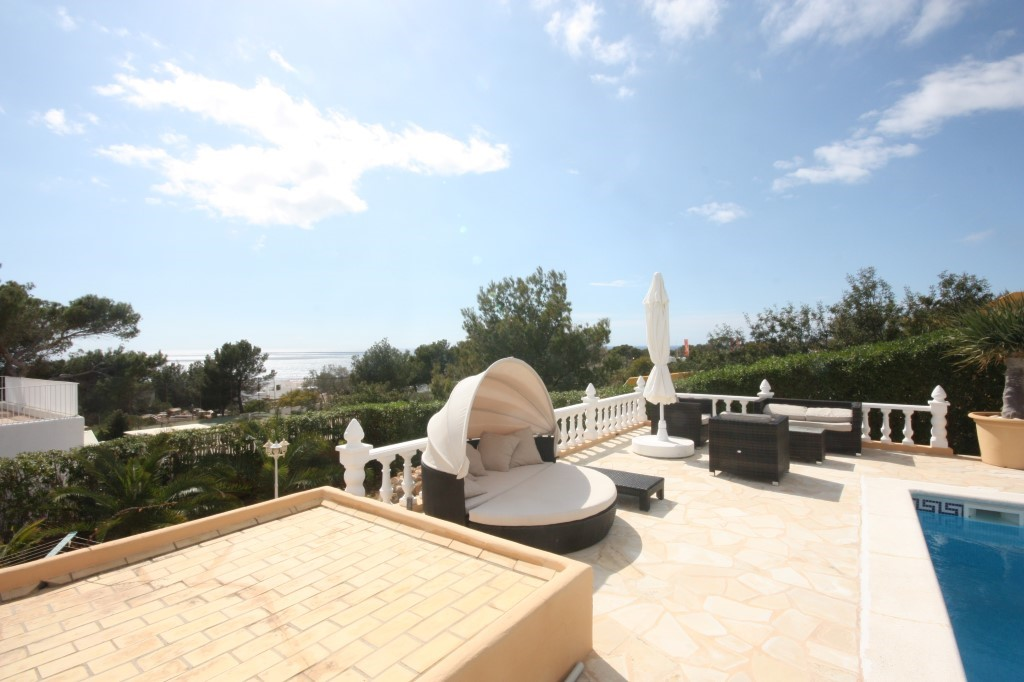 Villa with spectacular views to the Sea and Es Vedrá and Sunset with rental license