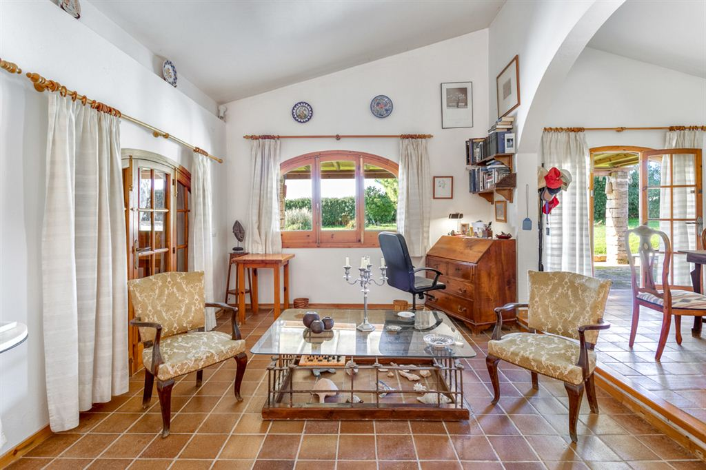Nice countryside finca with pool situated in ideal location near Ciutadella