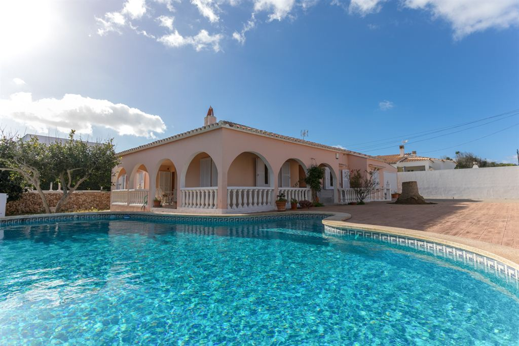 Gracious detached villa for sale in Son Ganxo
