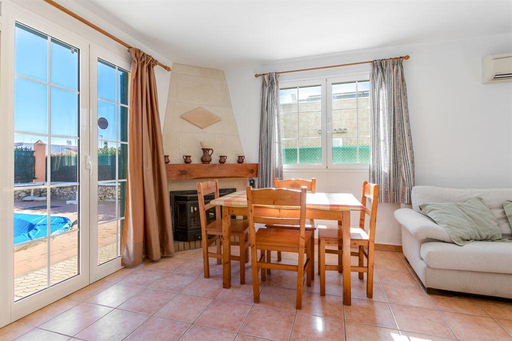 Villa in the Cap d'Artruix area, only 15 minutes from Ciutadella