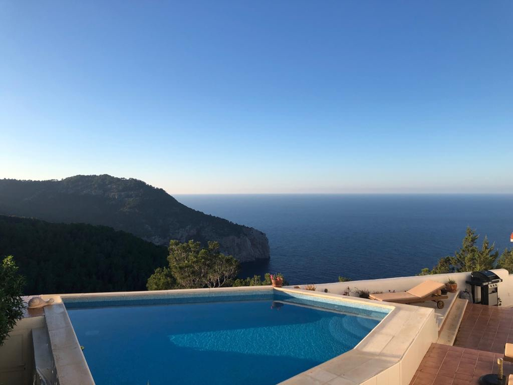 Frontline House with the most stunning views over the Mediterranean sea in ibiza
