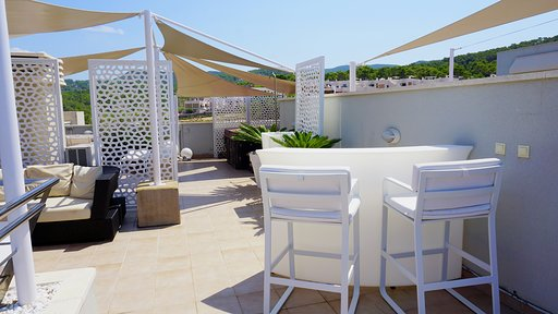 Very nice apartment in Las Terrasas in Cala Tarida for sale