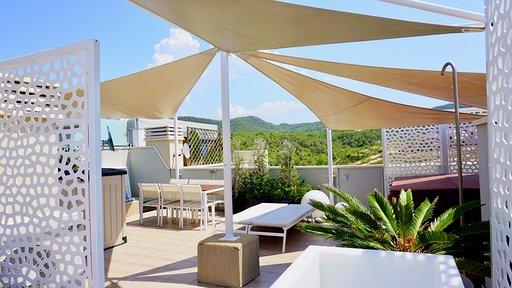 Very nice apartment in Las Terrasas in Cala Tarida for sale
