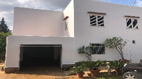 House with large garden for sale near Santa Gerdrudis