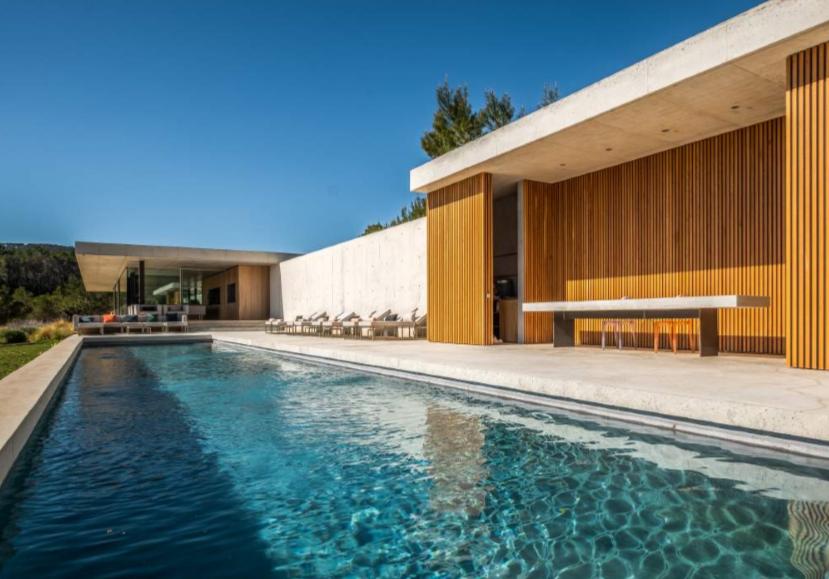 Masterpiece Villa of modern architecture with fantastic sea views