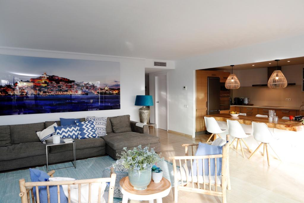 Luxury apartment with large terraces in a exclusive area of Ibiza for sale