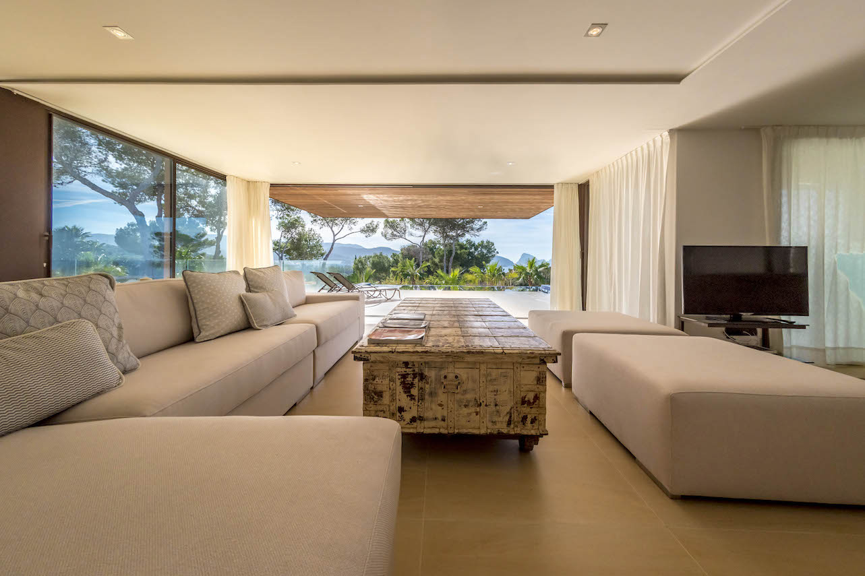 New built luxury villa close to Cala Comte