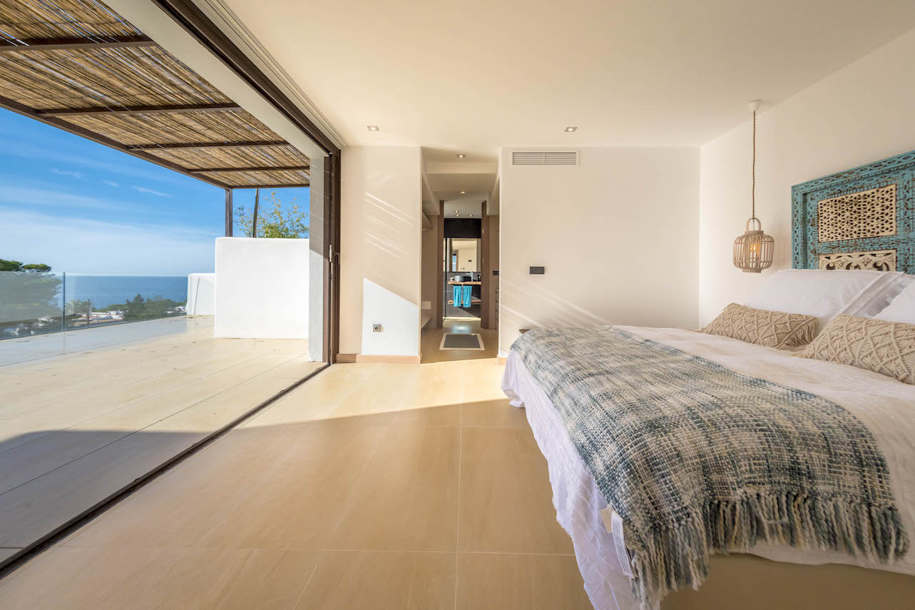 New built luxury villa close to Cala Comte