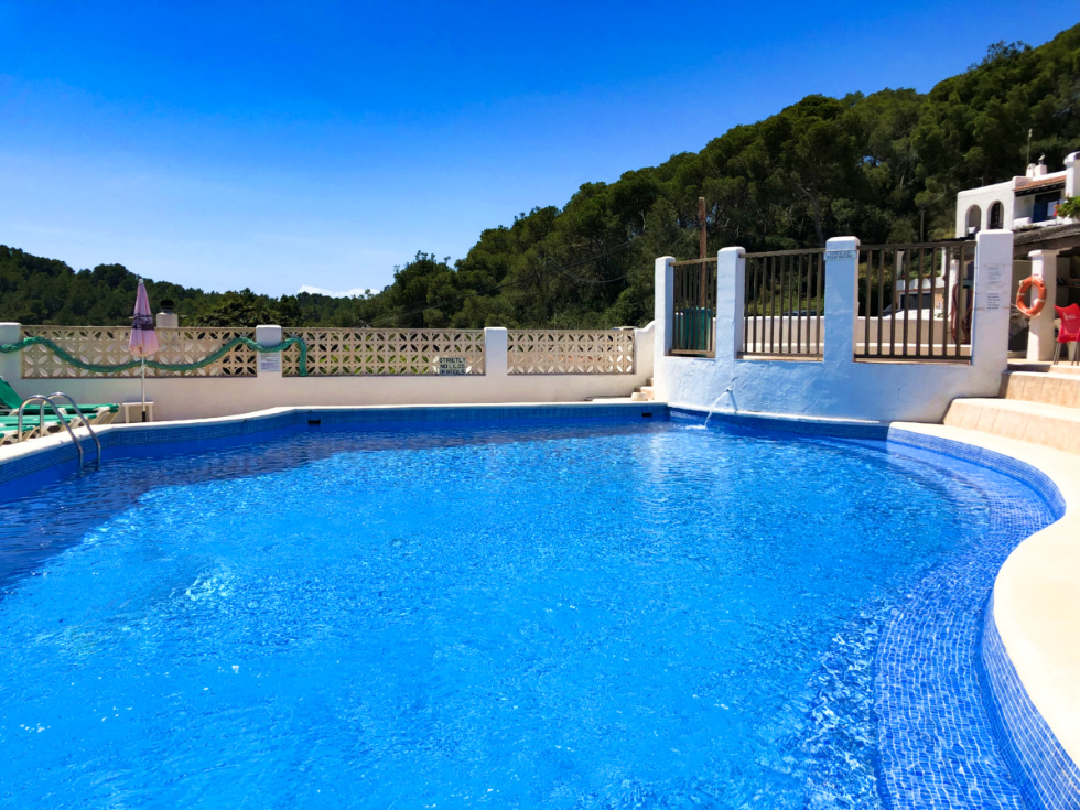 Lucrative Business Opportunity - Pool bar in Santa Eulalia with sea views for sale