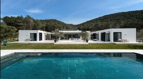 Modern villa built in a minimalist style with Ibizan architectural elements