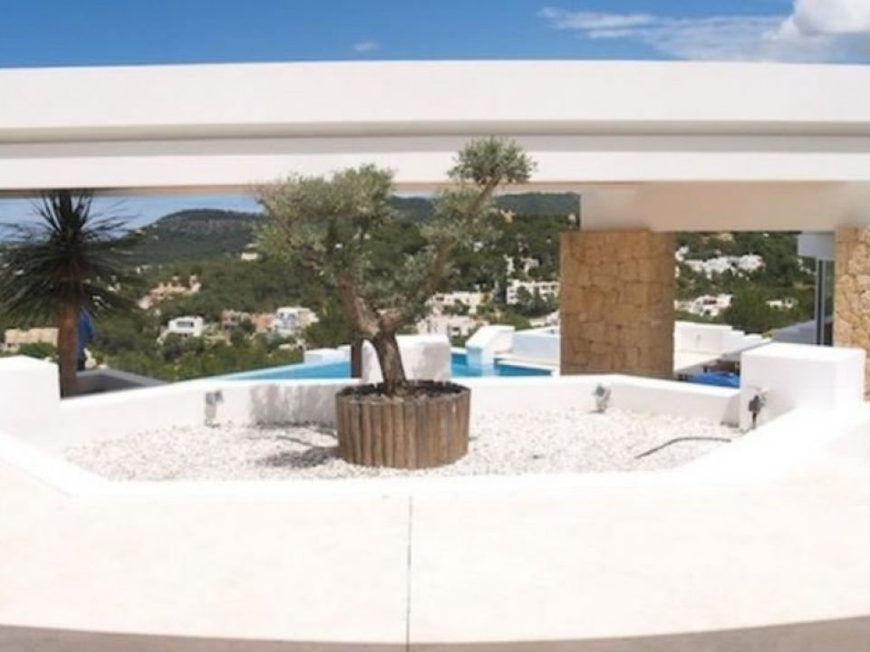 Nice Frontline Villa with best views for rent in Cala Carbo