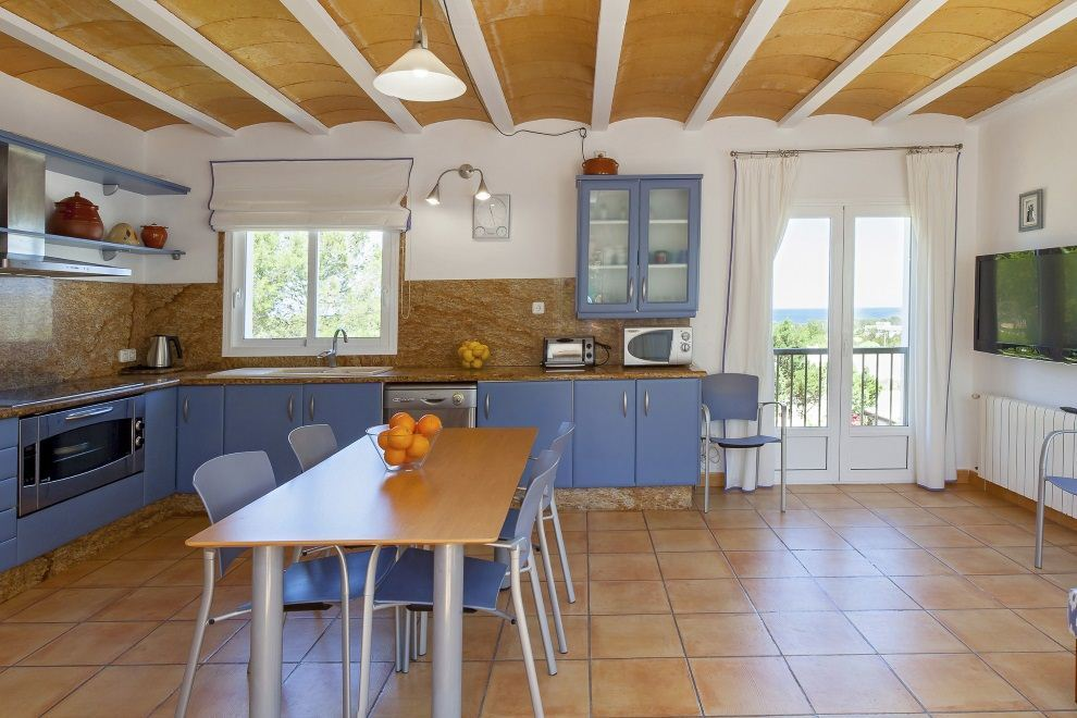 House with rental license close to the beaches of Cala Bassa and Cala Conta