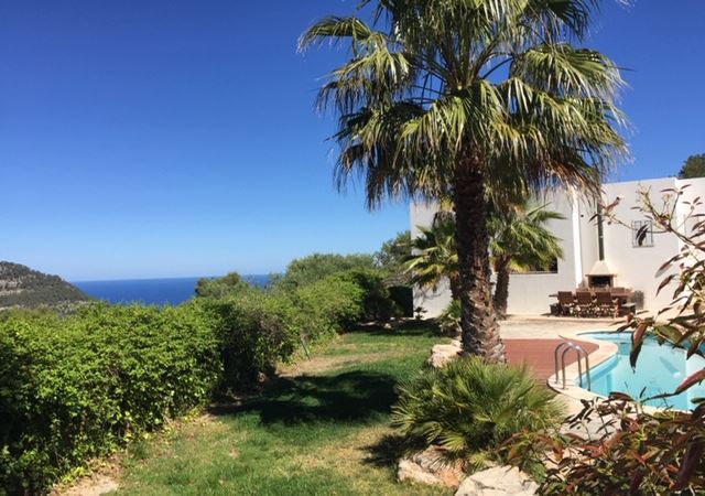 Beautiful house with fantastic views and walking distance to the sea
